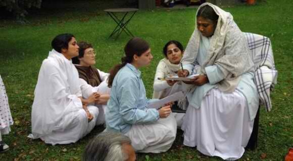 Amma.org: Circle of Love Inside