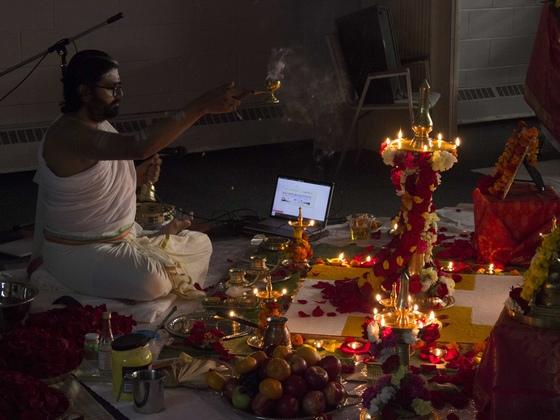 Br. Ramanand performing Arati