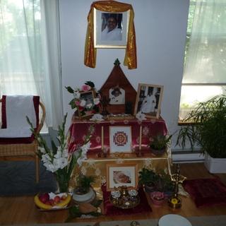 Amma's Montréal Altar