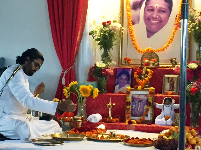 Br Ramanand performing the Guru Paduka Puja